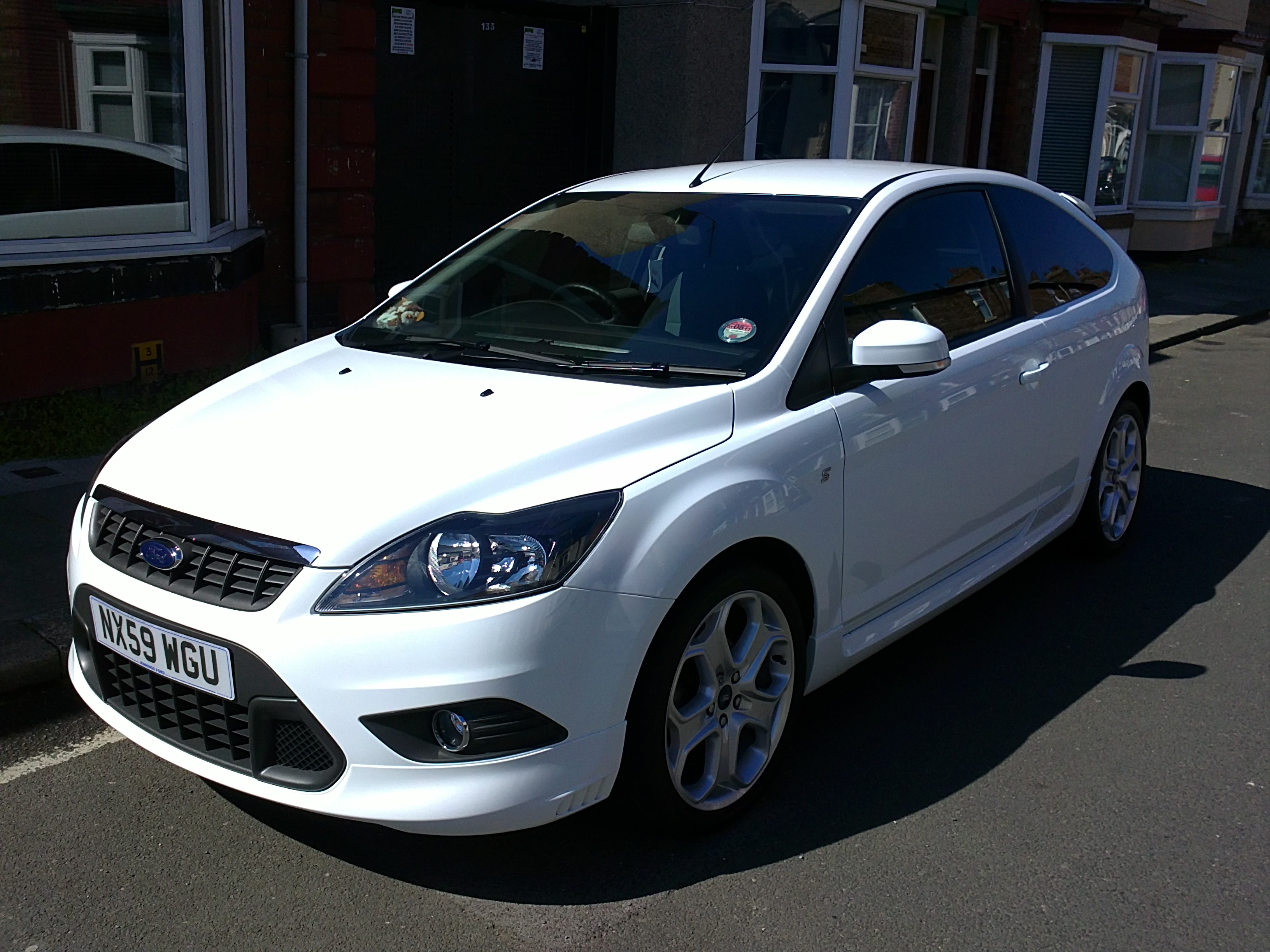 ford focus zetec s white ford focus club ford owners. Black Bedroom Furniture Sets. Home Design Ideas