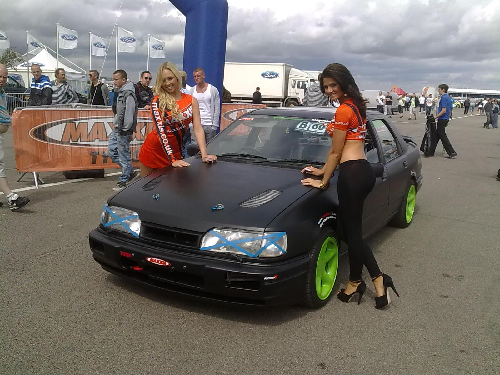 more maxxis babes with me cossie