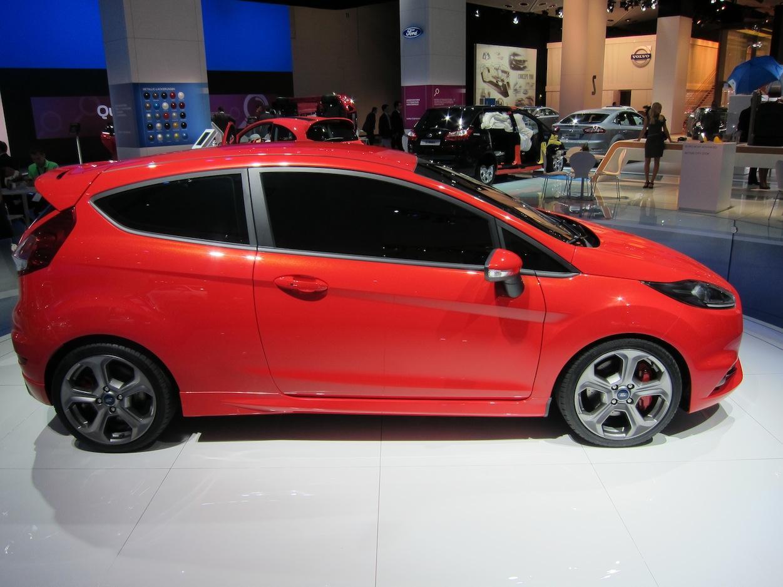 Ford Fiesta ST profile 2
