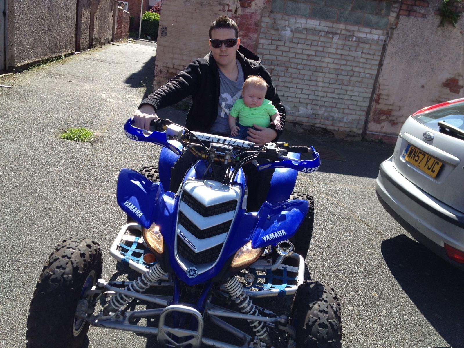 CHECK THE HORNS ON MY QUAD DOES ANYONE HAVE THEM ON THERE CAR. I MUST SAY THEY DO SCARE A LOT OF PEOPLE I EVEN PUT THEM ON THE PAVEMENT SIDE LOL, THEY ALL BLOW A SAME TIME