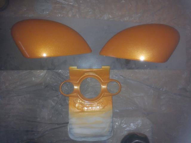 ST orange mirror caps and centre