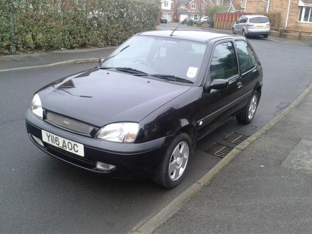 2001 Fiesta 1.25 Freestyle - Debadged Chrome grill