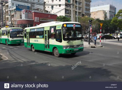 no-88-city-bus-going-to-ben-thanh-market-ho-chi-minh-city-DR68YF.jpg